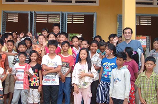 母の思いを受け、カンボジアに校舎を建設・寄贈